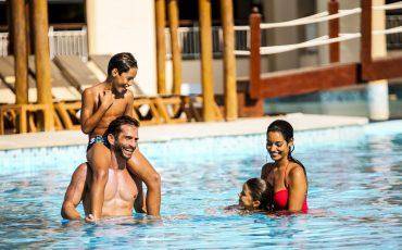 Grand Palladium Imbassaí Resort & Spa tem programação especial para férias de verão