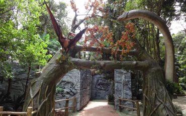'Novos dinossauros' movimentam férias no Zoológico de São Paulo