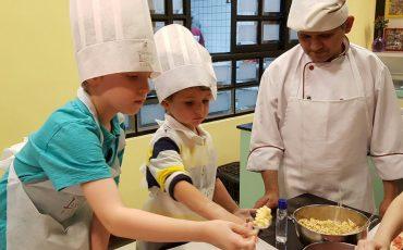 Oficinas gratuitas de pizza para crianças no aniversário de São Paulo