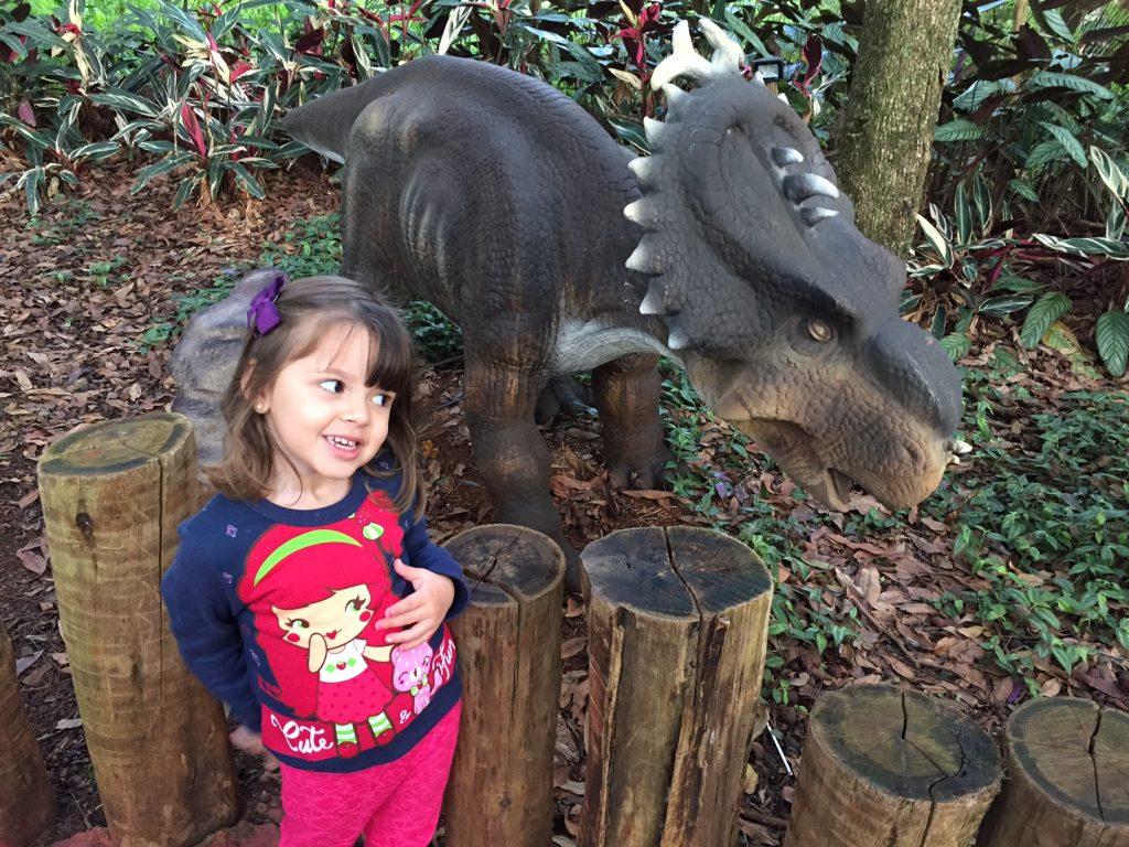 vale-dos-dinossauros-foz-do-iguaçu-passeios-kids-criança