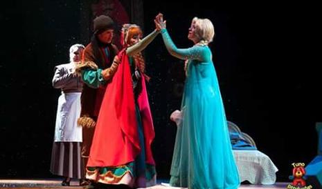 Leve a criançada para ver Elsa, Anna e Olaf com mega desconto