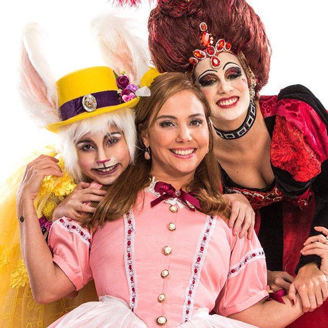 História de Alice contada de um jeito diferente e com Heloisa Perissé no papel principal