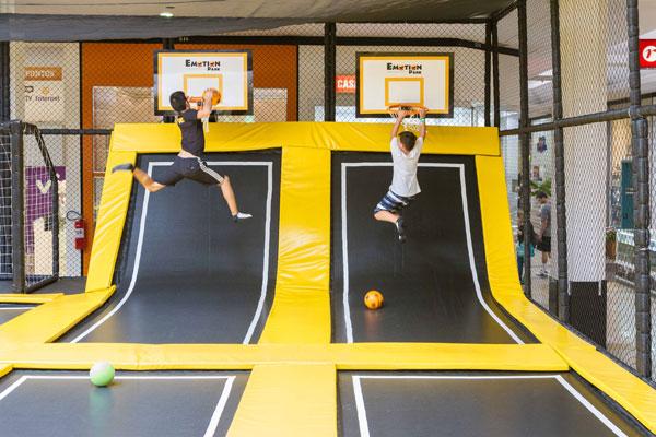 Parque de trampolins chega ao Shopping Center Norte com diversas atividades