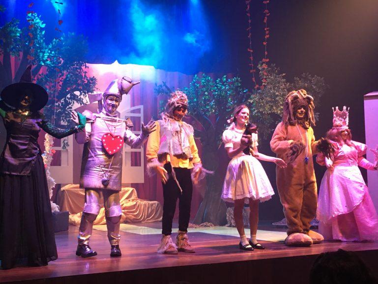 """Por que não perder o espetáculo """"O Mágico de Oz"""", no Teatro Augusta"""