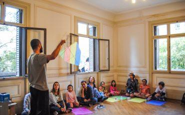 Casa das Rosas tem programação especial para adultos e crianças