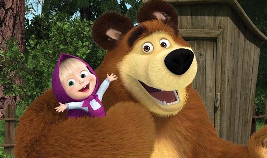 Crianças se divertem em Café da Manhã com Masha e o Urso no Teatro Extra Itaim