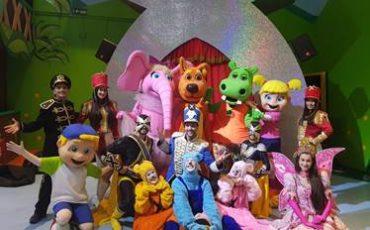 Turma da Xuxinha faz show gratuito no Golden Square Shopping