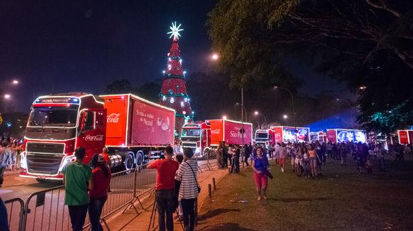 Caravana Iluminada da Coca-Cola passa pela capital paulista neste fim de semana
