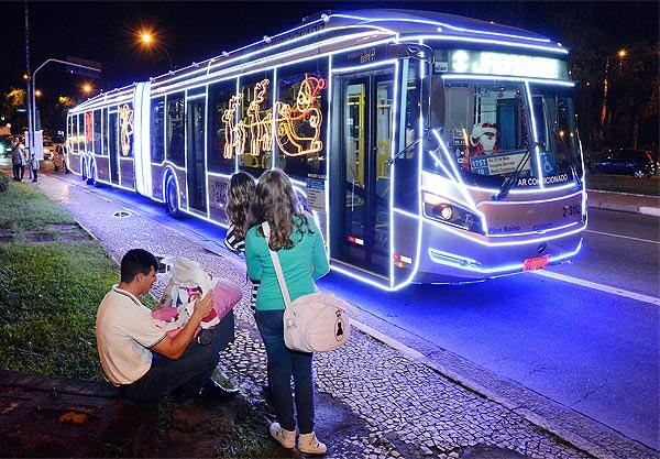 São Paulo terá frota de ônibus iluminados e passeios gratuitos pela cidade