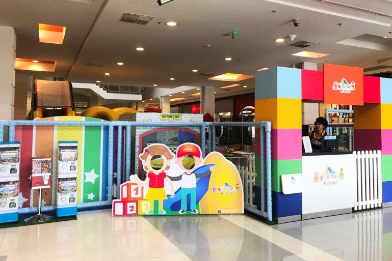 Bolha gigante e circuito de aventura divertem as crianças no SuperShopping Osasco