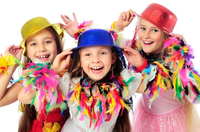 Carnaval no Grand Plaza Shopping com bailinho e atividades para as crianças