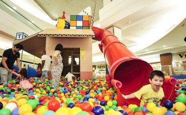 Toy Story invade mar de bolinhas no Mooca Plaza Shopping com brincadeiras para toda a família