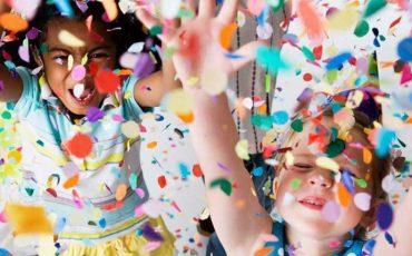Bebês e crianças curtem último fim de semana de Carnaval no Brincando no Pé