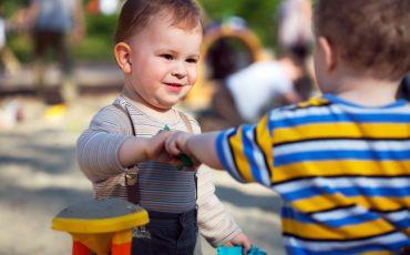 Vivências Criativas estimulam coordenação  motora e sensorial de bebês no Sesc Itaquera