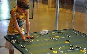 Museu do Futebol recebe crianças com contação de histórias, atividades e visita mediada