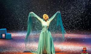 Elsa, Anna e Olaf juntos em uma nova aventura no teatro com desconto do Passeios Kids