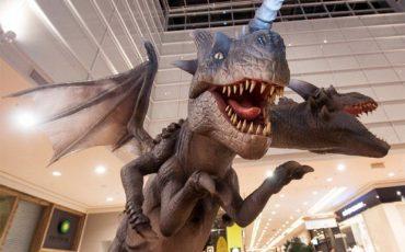 Dragões com 4 metros de altura invadem o Shopping Taboão