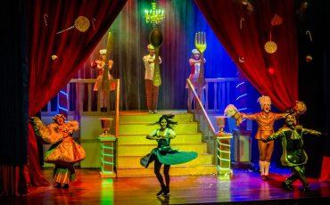 """Teatro Augusta apresenta """"A Bela e a Fera"""" com diferentes cenários e efeitos especiais"""