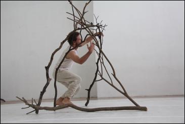 Sesc Consolação recebe o espetáculo Presente! feito da gente da Balangandança Cia.