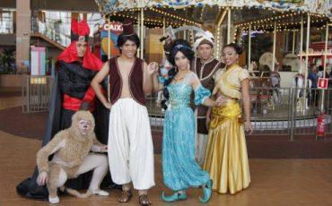 'Aladdin e a Lâmpada Mágica' estreia no Teatro Playcenter Family e tem desconto no Passeios Kids