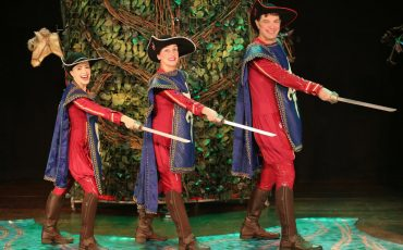 """""""Os 3 Mosqueteiros"""" com 50% de desconto no Teatro Viradalata"""