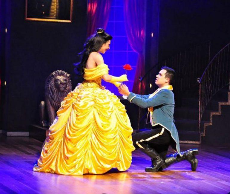 """Espetáculo """"A Bela e a Fera"""" retorna ao Teatro das Artes com desconto no Passeios Kids"""
