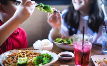P.F. Chang's e Kumon promovem refeição grátis e espaço kids durante as férias