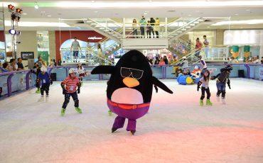 Pista de Patinação anima férias no Shopping Anália Franco