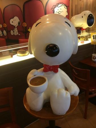 Snoopy Café: famoso cãozinho ganha café temático no MorumbiShopping