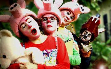 """Teatro Dr. Botica com desconto: """"Os Três Porquinhos – O Retorno do Lobo Mau"""""""