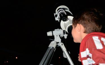 Férias no Sabina terá observação noturna do Eclipse Total Lunar