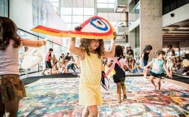 É Gratuito! Sesc Consolação recebe peça de teatro para bebês e performance interativa para crianças