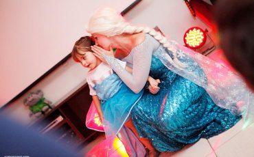 Já pensou em ter um personagem vivo na festa de aniversário do seu filho? Festolândia Shows realiza esse sonho!