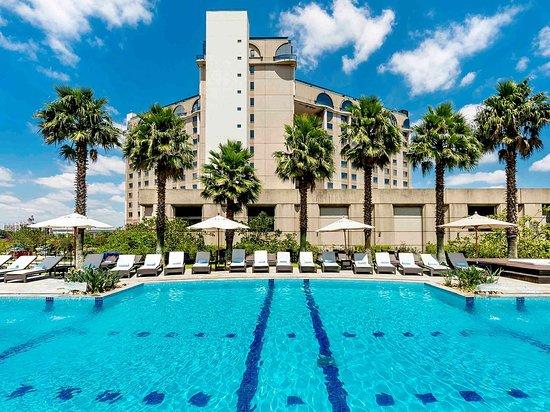 Clube Base do Hotel Pullman São Paulo Guarulhos Airport oferece atividades para as famílias não hóspedes aos sábados. Nós fomos conferir e te contamos tudo!