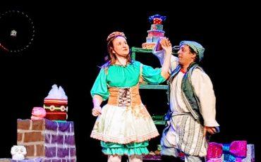 """Espetáculo infantil """"João e Maria e o Livro de Feitiços"""" está em cartaz no Teatro Maria Della Costa. E você ganha desconto no Passeios Kids!"""