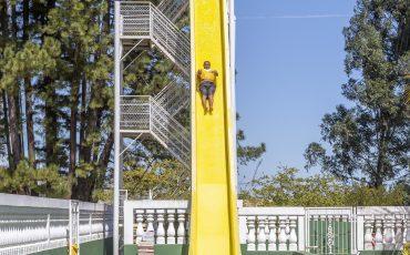 """Carnaval no Brotas Eco Resort terá """"esquenta"""" para a folia com customização de abadás, festa das cores, Micareta e balada"""