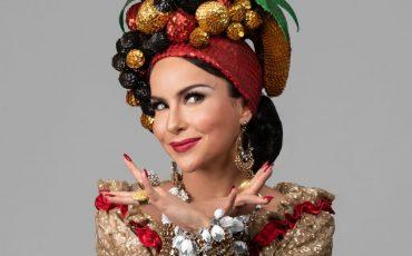 Musical Carmen, a Grande Pequena Notável, que apresenta a trajetória de Carmen Miranda para toda a família, reestreia no Teatro Itália