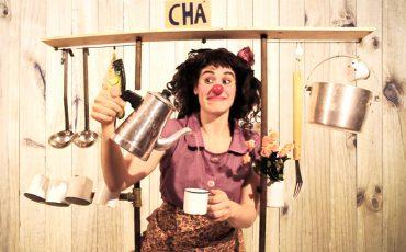 """Gratuito! Espetáculo infantil """"Chá Comigo"""" traz ao Sesc Santana a palhaça Nina mostrando a influência feminina na sociedade"""
