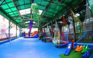 Dica de restaurante kidsfriendly: Zillis Bar Lounge Restaurante, em Moema, oferece espaço kids e monitoria gratuitos